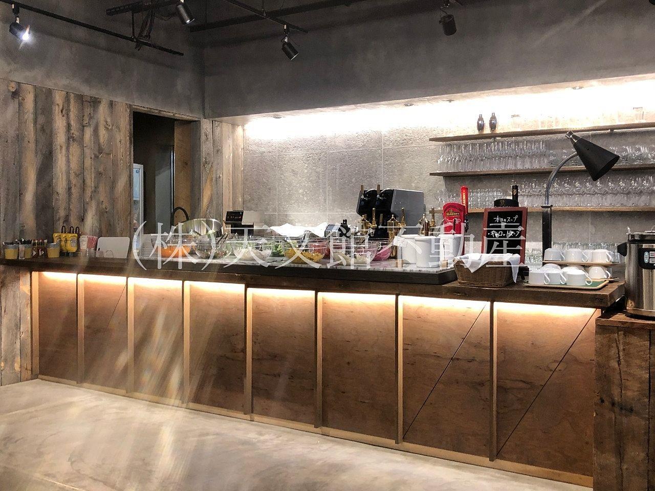 鹿児島市山之口町のNikanbashi Burger Barはサラダバーもあります。