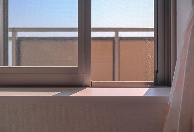 買主様が売り物件をご見学の時は窓の換気にご協力ください。少しの差ですがお家の空気も入れ替わり風通し日当たりのいい物件の場合、お客様も購入意欲がわきます。
