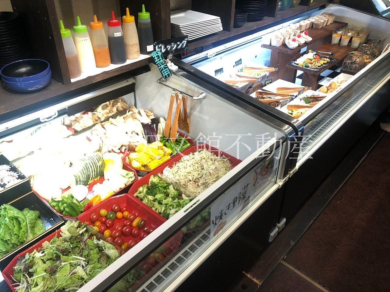 鹿児島県肝属郡肝付町前田「生肉専門店 新村畜産」のランチは野菜やスイーツ、ご飯もお替り自由です。