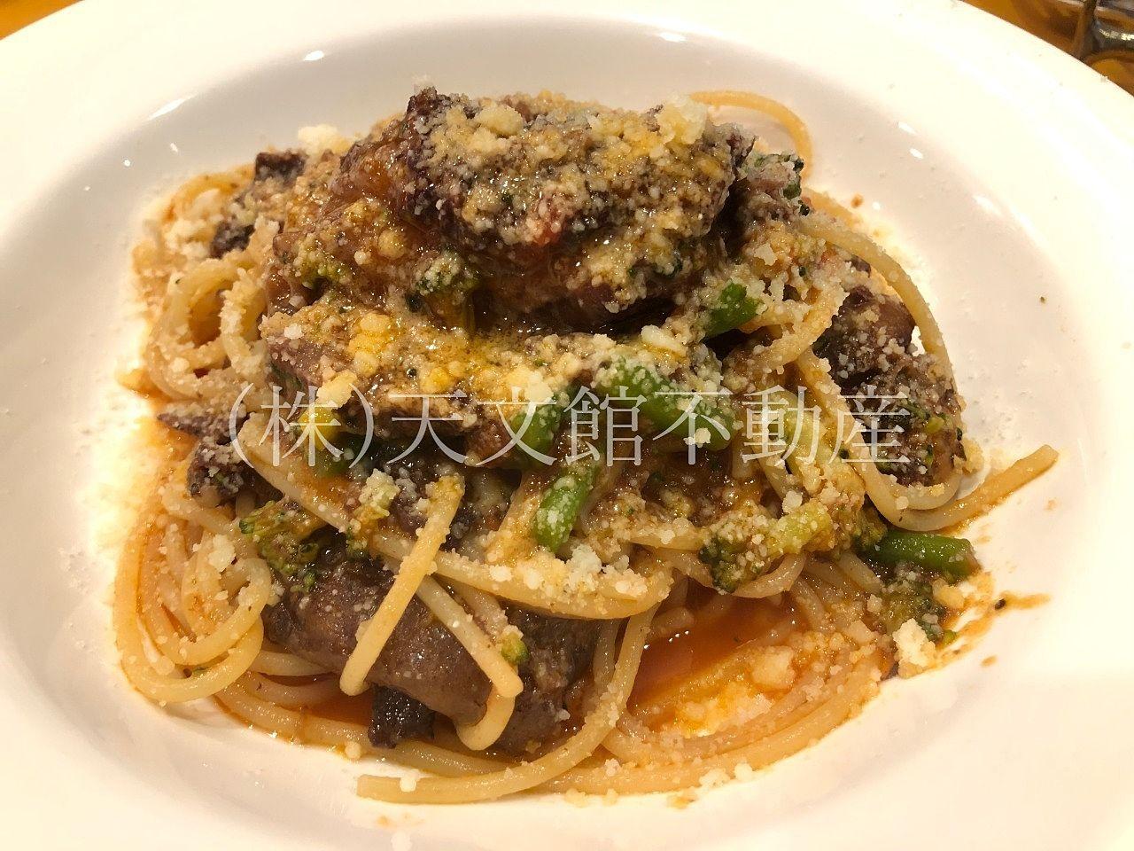イタリアン料理ピッコロ モンド 牛肉のワイン煮のスパゲティ